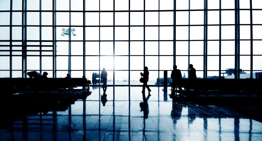 As companhias aéreas podem cobrar taxas para alterar voos?